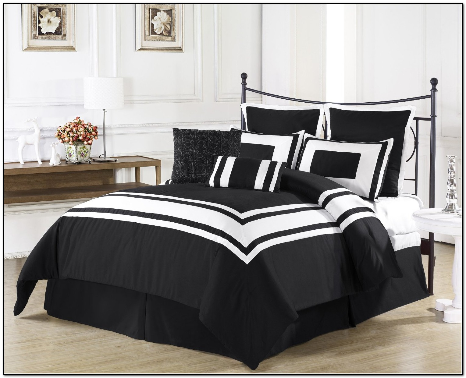 Black and white bedding sets download page home design for Home designs comforter