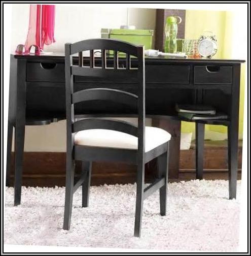 Young America Furniture Desk