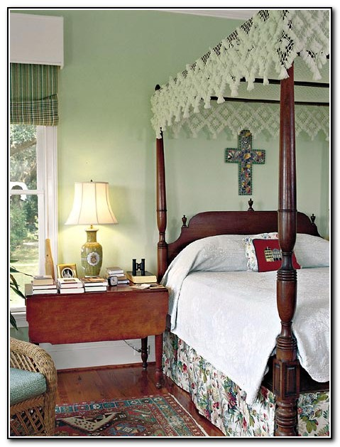 4 Poster Bed Canopy Ideas