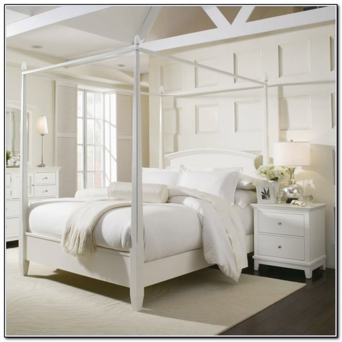 4 Poster Bed White