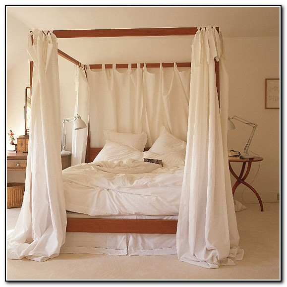 4 Poster Bed With Curtains