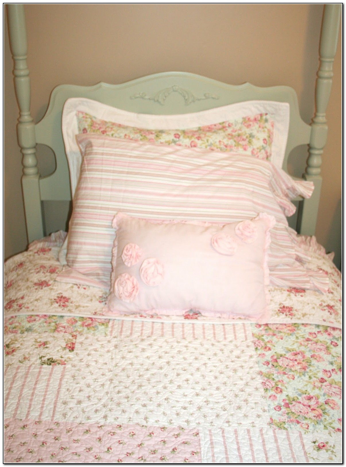 shabby chic little girl bedding download page home design ideas galleries home design ideas. Black Bedroom Furniture Sets. Home Design Ideas