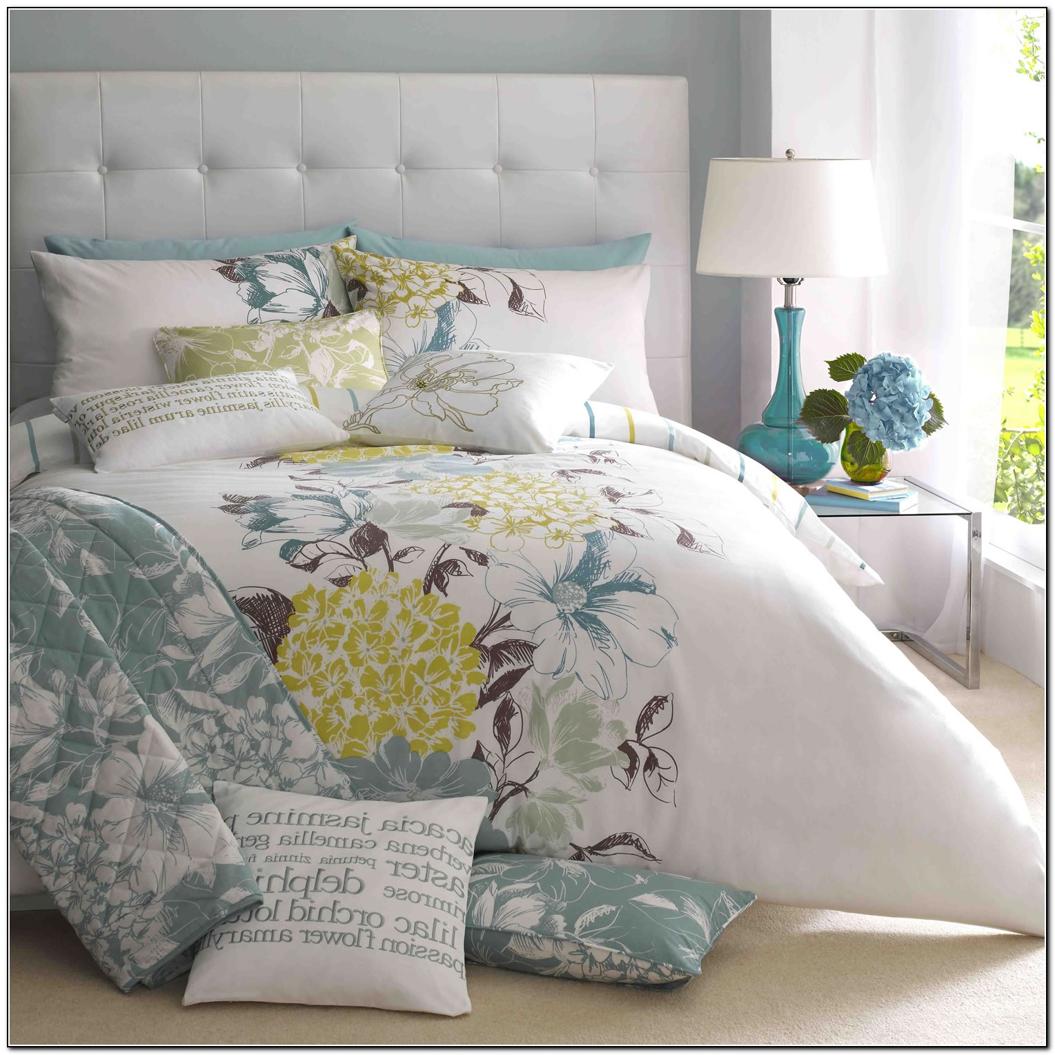Madras Bedding Set