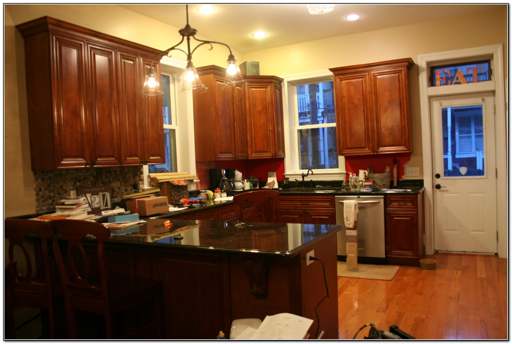 Kitchen paint colors with white cabinets and black granite Kitchen cabinets colors 2014