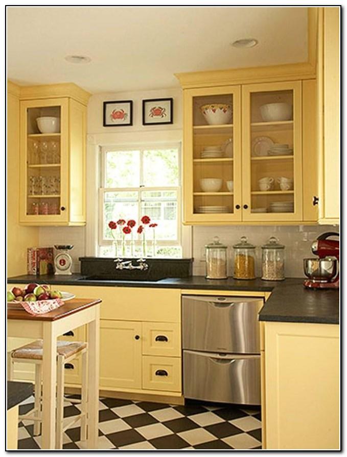 Kitchen backsplash ideas with cream cabinets kitchen for Best cream paint for kitchen cabinets
