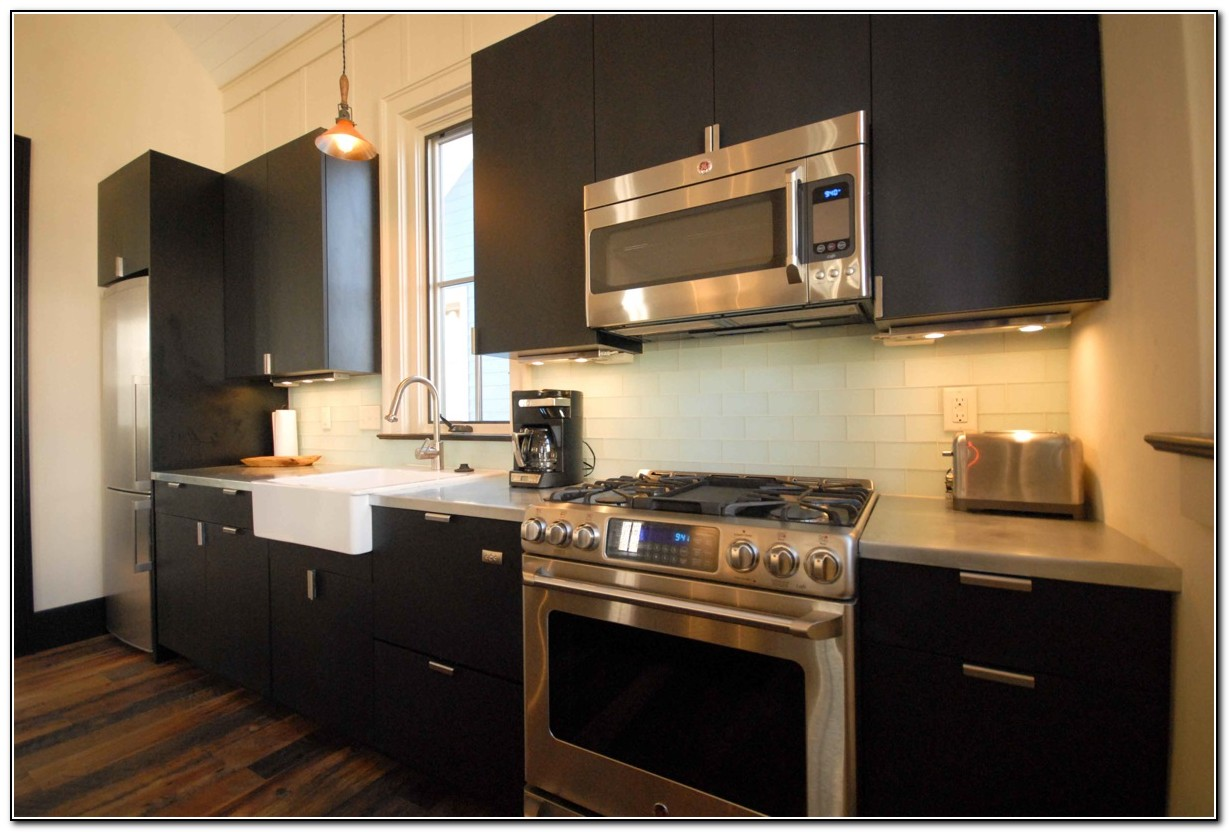 Black kitchen cabinets and dark floors kitchen home for Black kitchen cabinets with dark floors