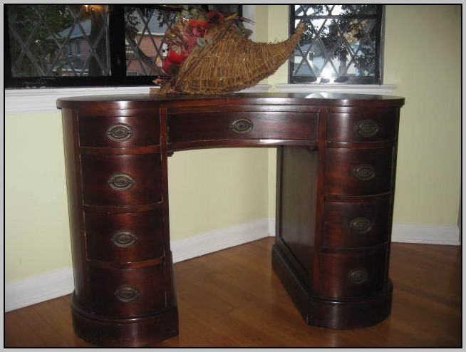 Kidney Shaped Desk Antique