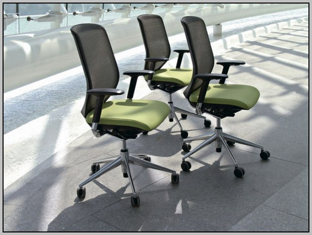 Office Desk Chairs At Staples