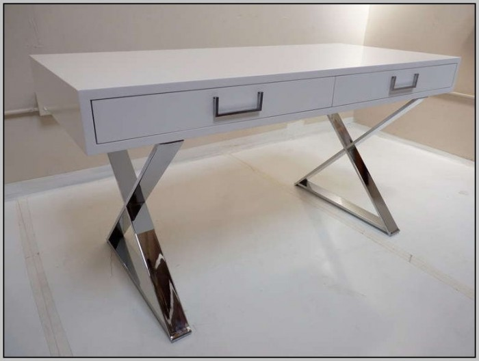 White Lacquer Desk With Drawers