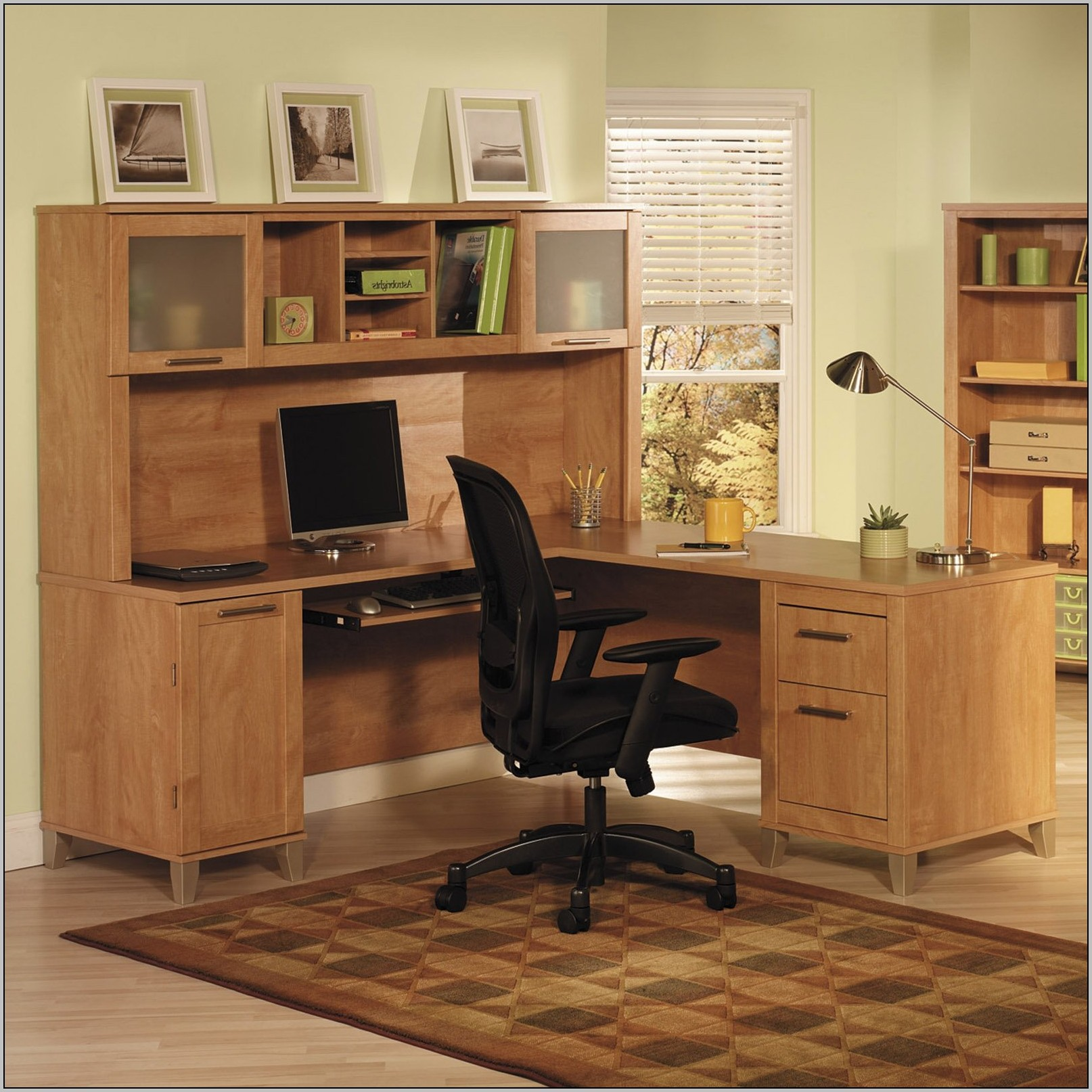 Corner unit desks for home office download page home for Home office corner desk ideas