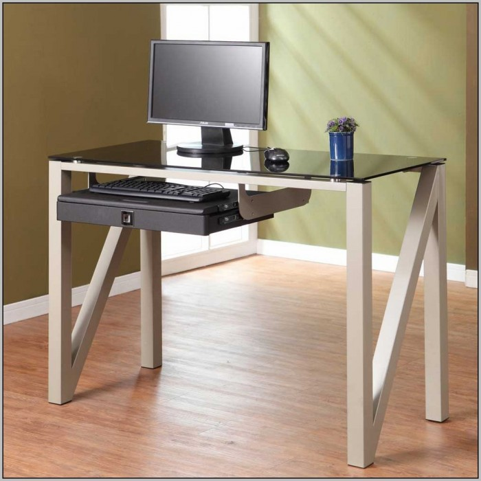 Small Wood Computer Desks For Small Spaces