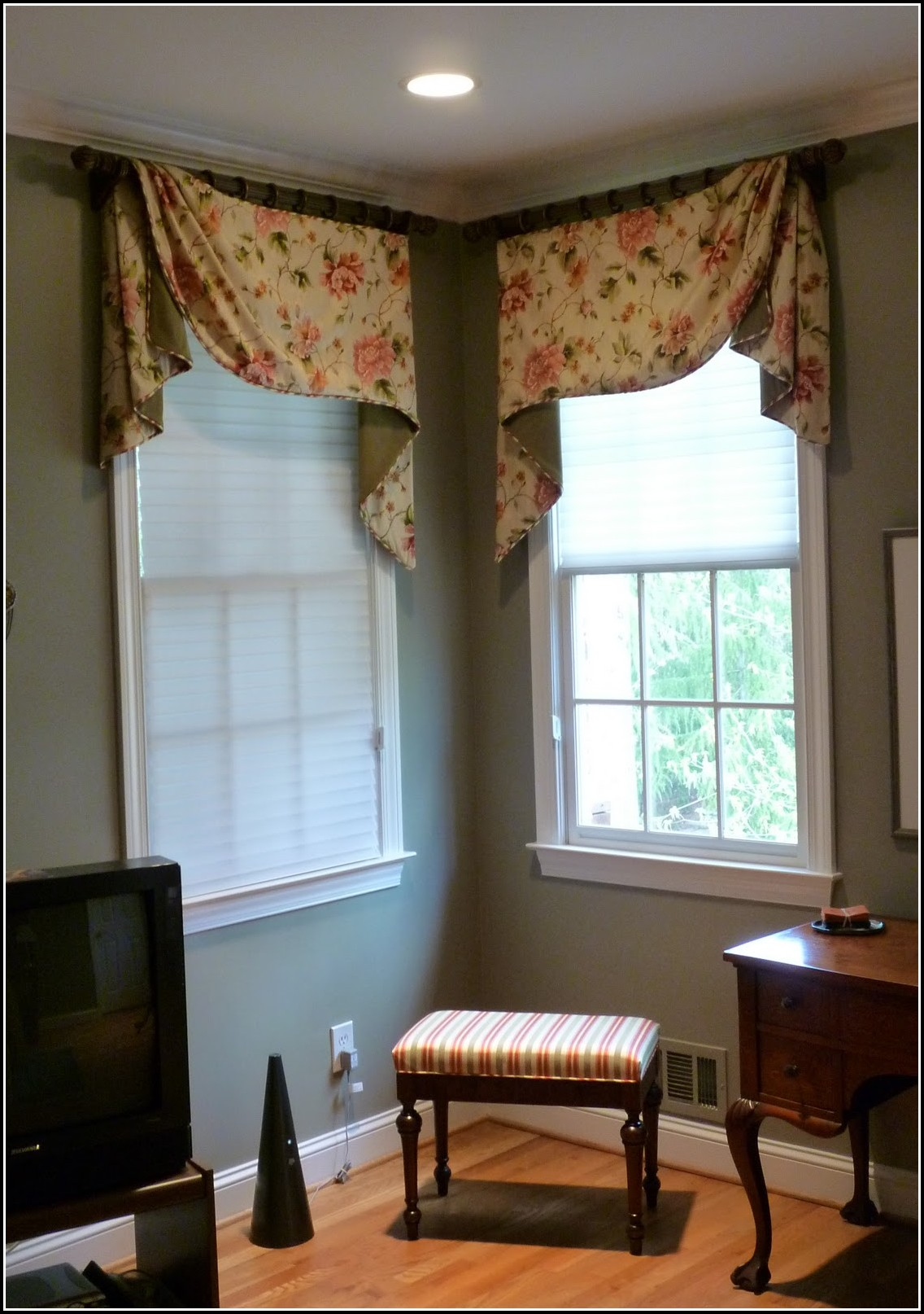 How To Do Curtains For Corner Windows Download Page Home Design Ideas Galleries Home Design