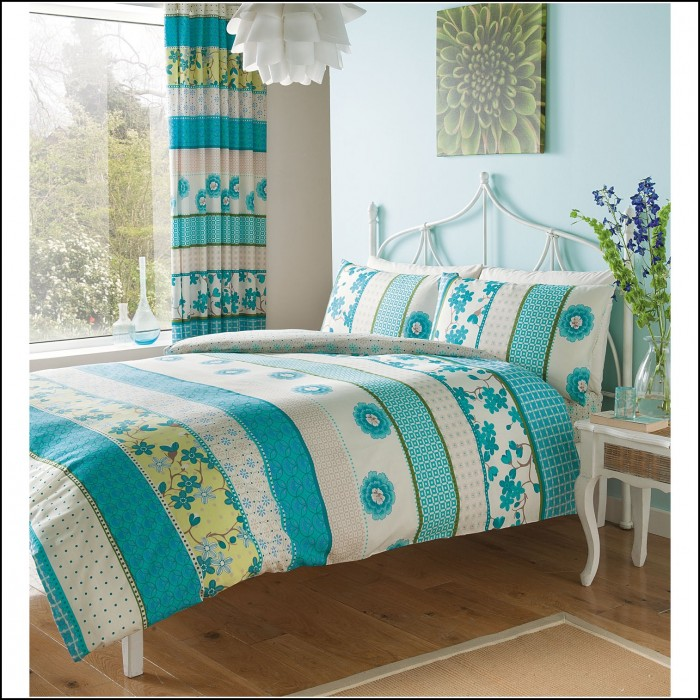 Floral Bedspread And Matching Curtains Curtains Home