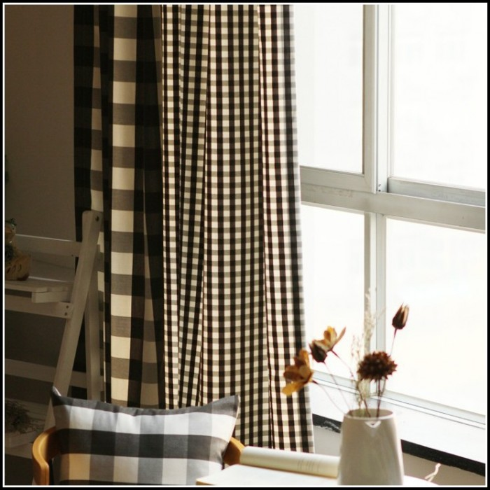 Black and brown kitchen curtains curtains home design for Black and brown kitchen ideas