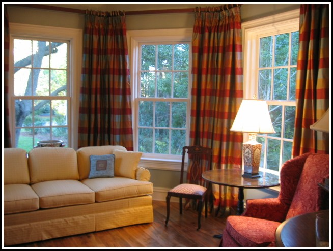 Curtain Ideas For Bedroom Windows