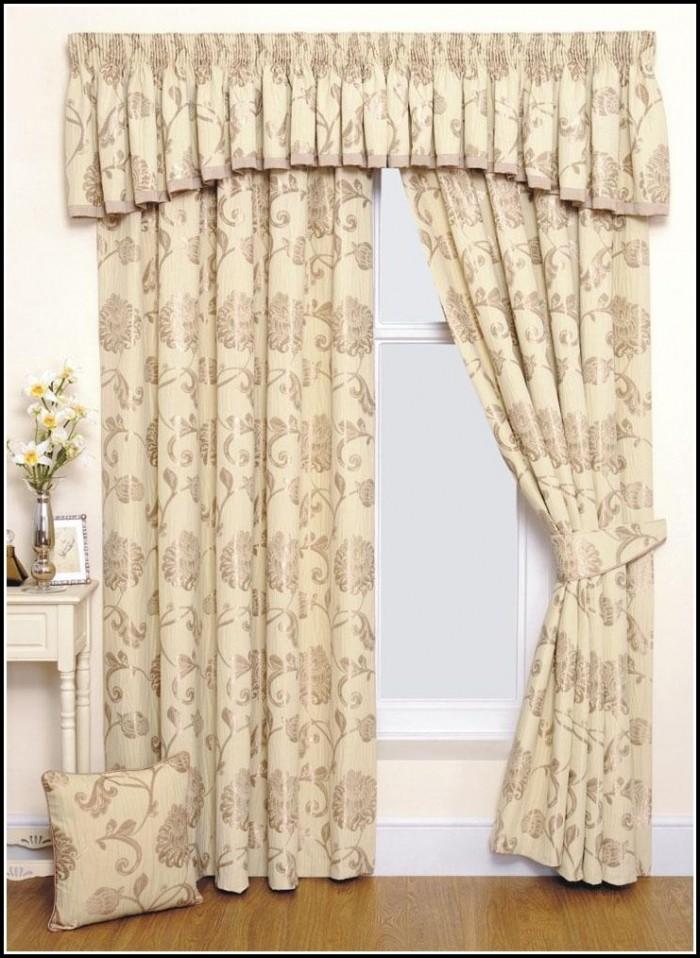 Elegant Living Room Curtain Ideas