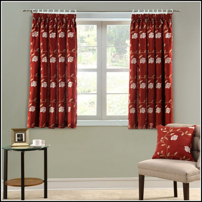 Red Curtains In Living Room