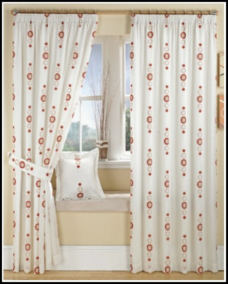 Using Curtains With Vertical Blinds