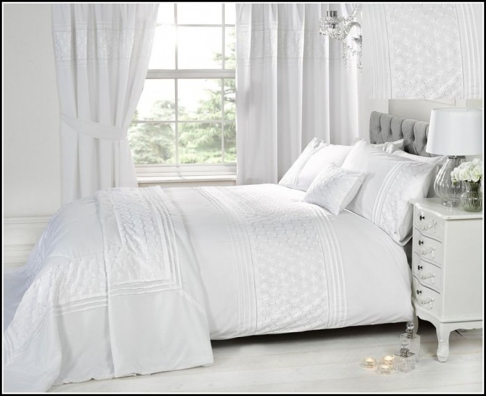 Complete bedroom comforter sets with curtains download - Complete bedroom sets with curtains ...