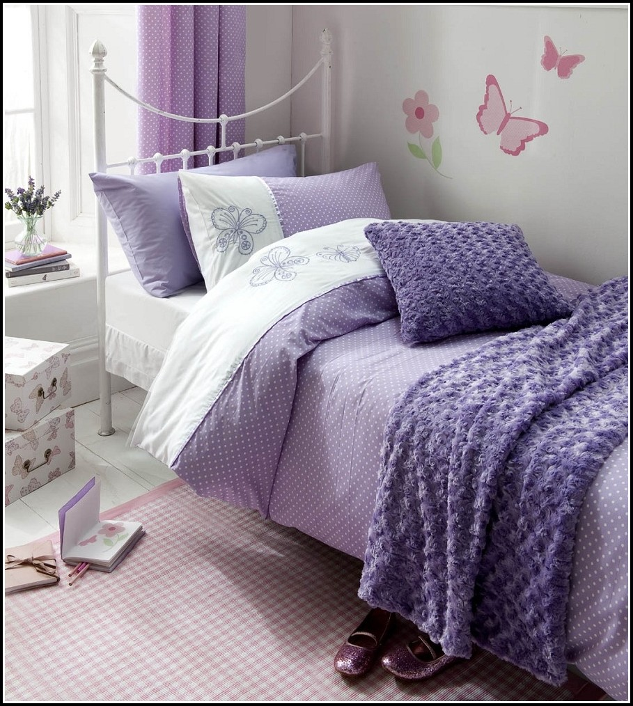 Full bed sets with curtains curtains home design ideas - Complete bedroom sets with curtains ...