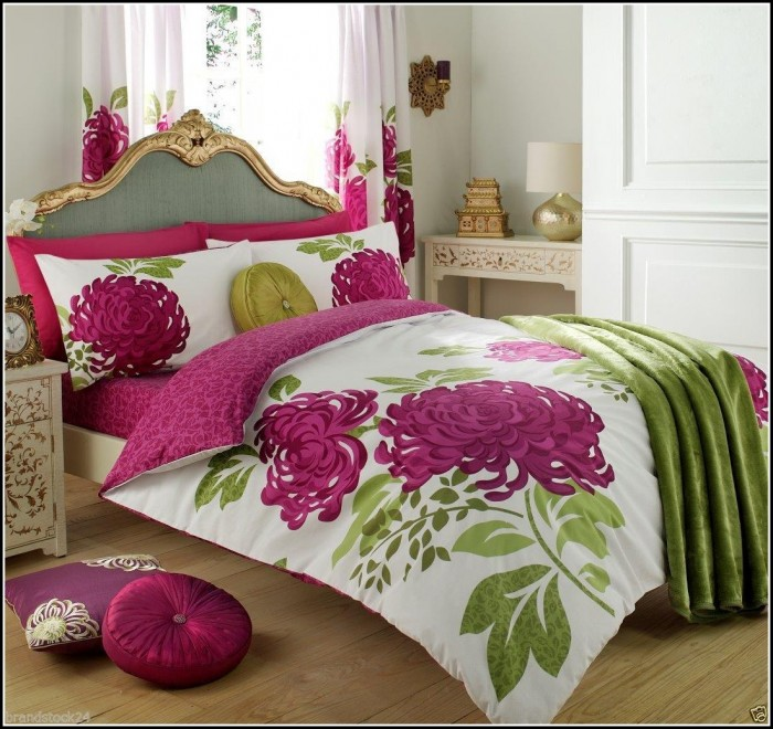 Matching Bedspreads And Curtain Sets