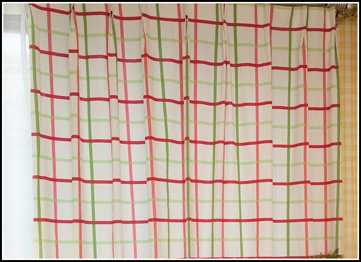 Red and green kitchen curtains curtains home design for Red and green kitchen ideas