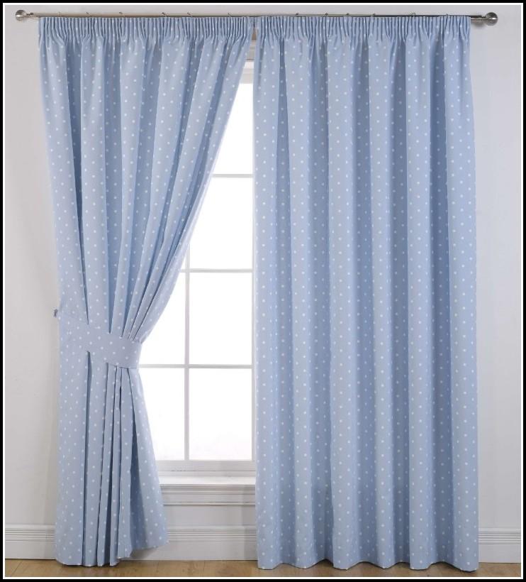 White Wooden Curtain Rod Set