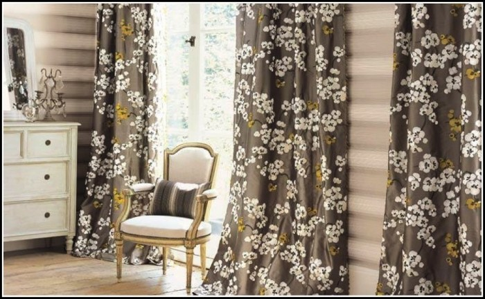 Curtains Vs Wood Blinds