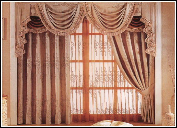 Do I Need Curtains With Wood Blinds