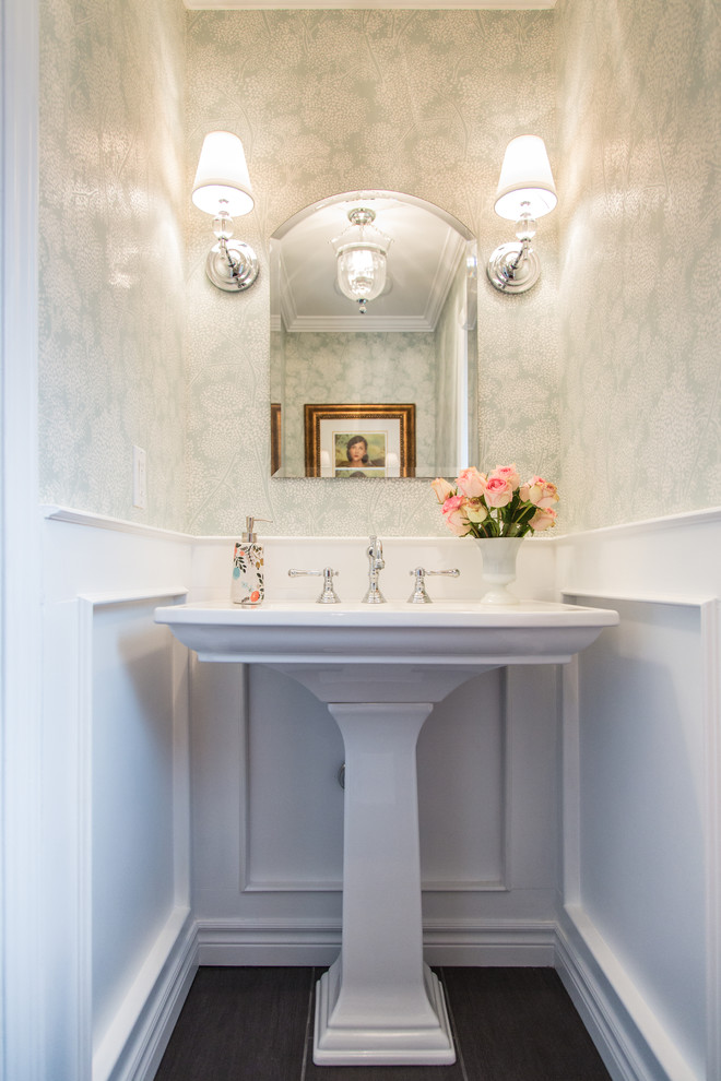 17 Wide Pedestal Sink