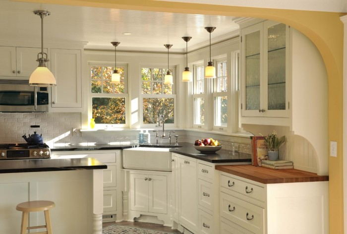 Franke 36 Fireclay Farmhouse Sink