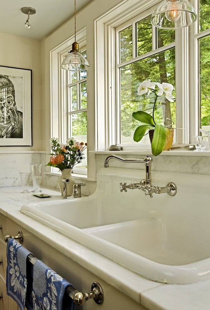 Towel Bar Around Pedestal Sink