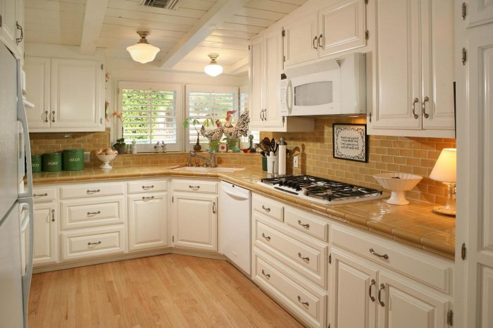Have the kitchen backsplash ideas for your home kitchen for Budget kitchen backsplash ideas
