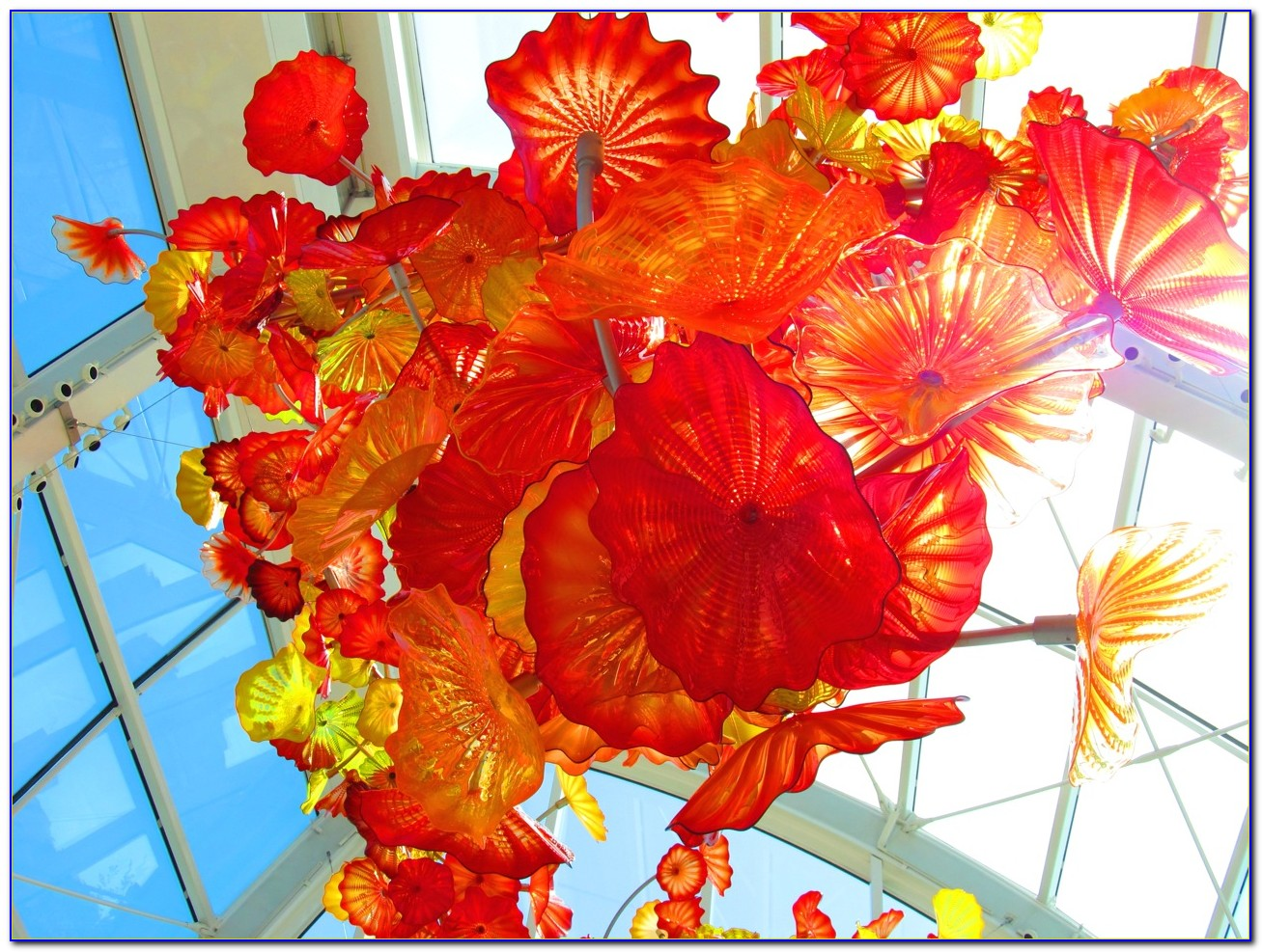 Chihuly garden and glass parking garden home design - Chihuly garden and glass groupon ...