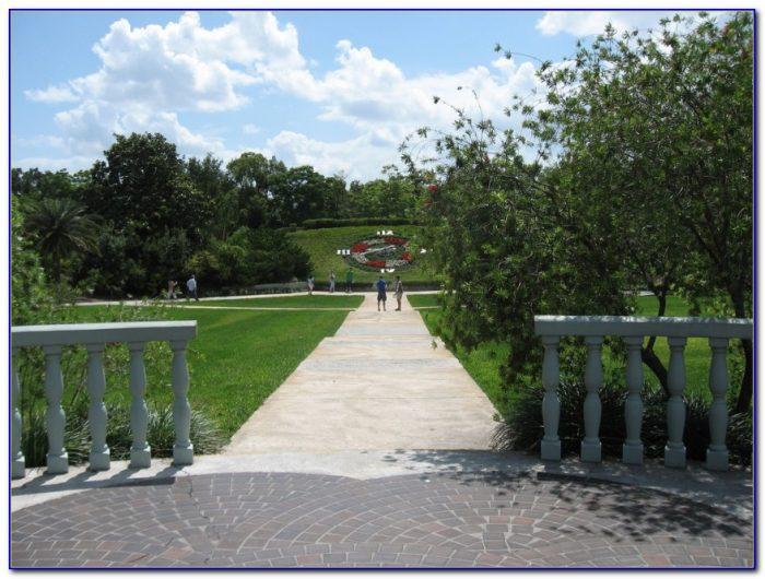 Harry P Leu Gardens Florida