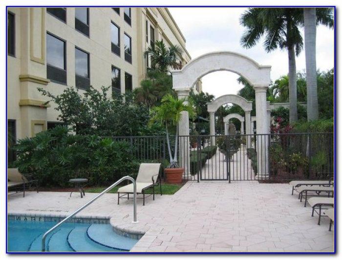 Restaurants near hampton inn palm beach gardens garden home design ideas q7pqrlnn8z53017 for Hamptons at palm beach gardens