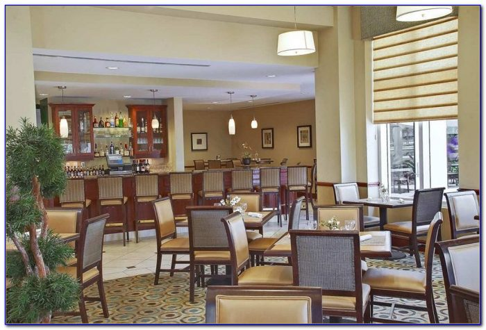 restaurants near hilton garden inn miami airport west. Black Bedroom Furniture Sets. Home Design Ideas