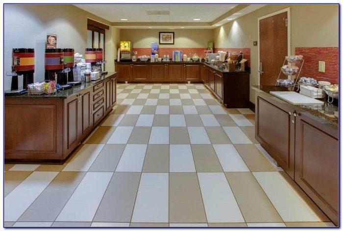 hampton inn garden city ny 11530 garden home design. Black Bedroom Furniture Sets. Home Design Ideas
