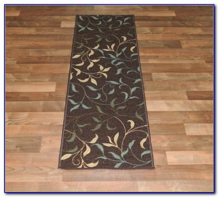Rubber backed area rugs on hardwood floors rugs home for Rug on hardwood floor pictures