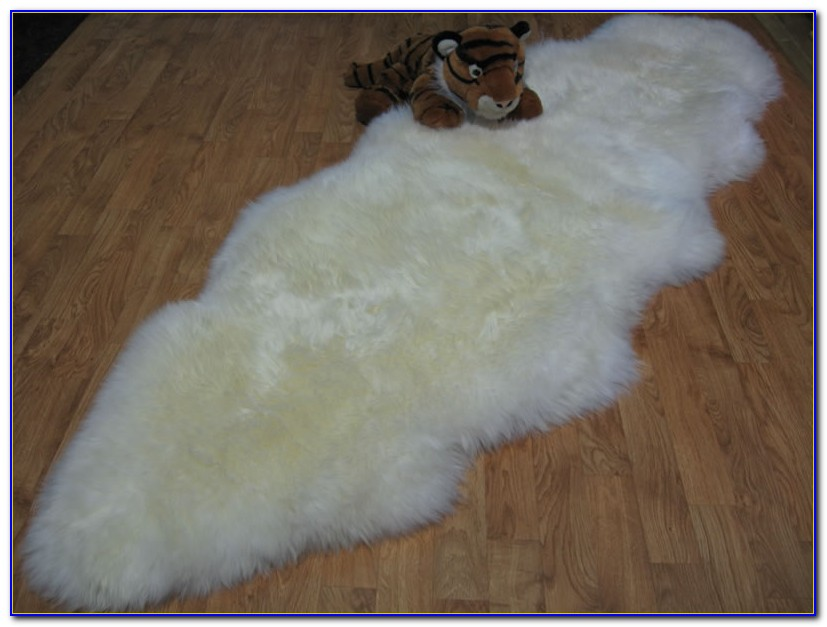 White sheepskin rug ikea rugs home design ideas for Lambskin rug ikea