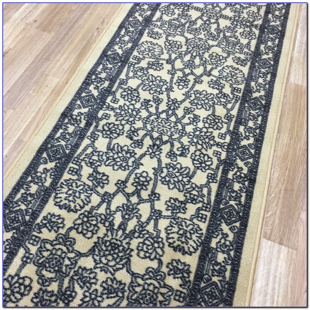 Rugs With Rubber Backing On Hardwood Floors