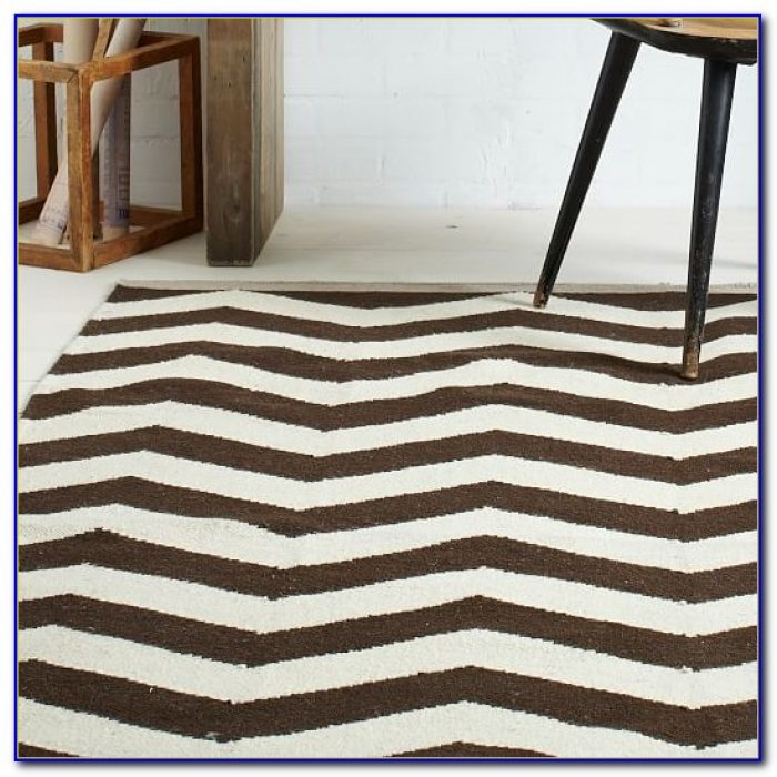 Urban Outfitters Zigzag Rug Rugs Home Design Ideas