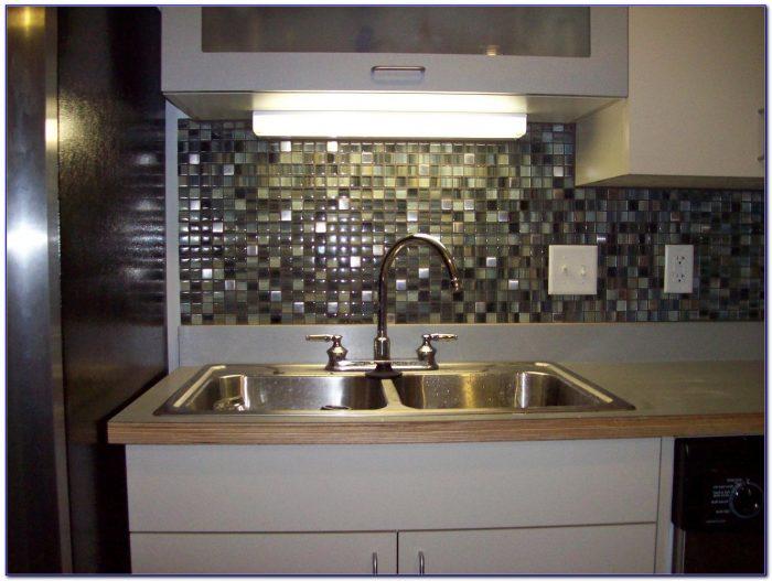 Kitchen Glass Tile Backsplash Ideas
