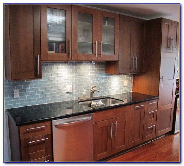 Kitchen Glass Tile Backsplash Installation