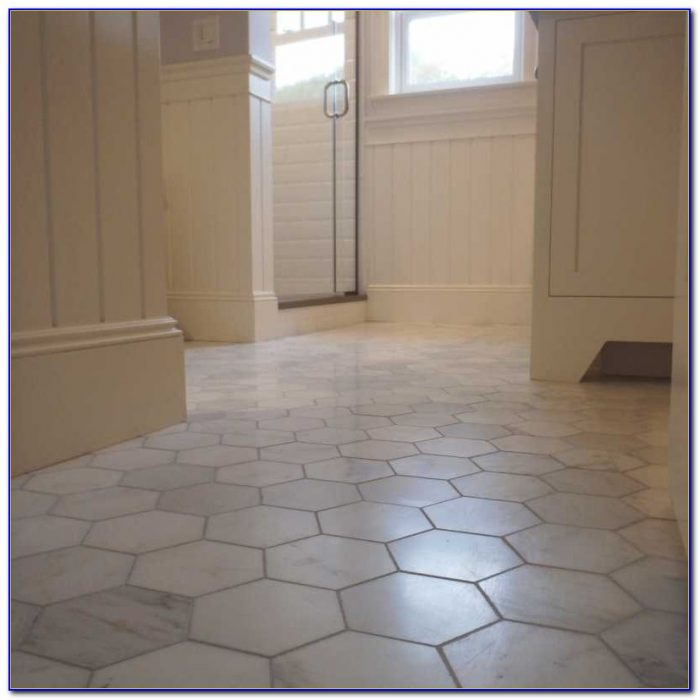 Bathroom floor tile that looks like hardwood flooring home design ideas r3njbeyyn296169 Marble hex tile bathroom floor