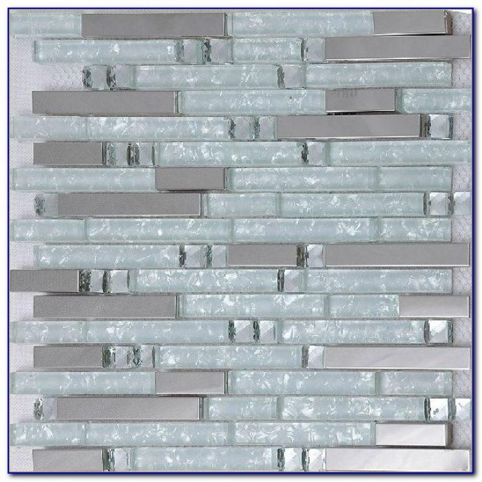 White And Gray Mosaic Tile Backsplash