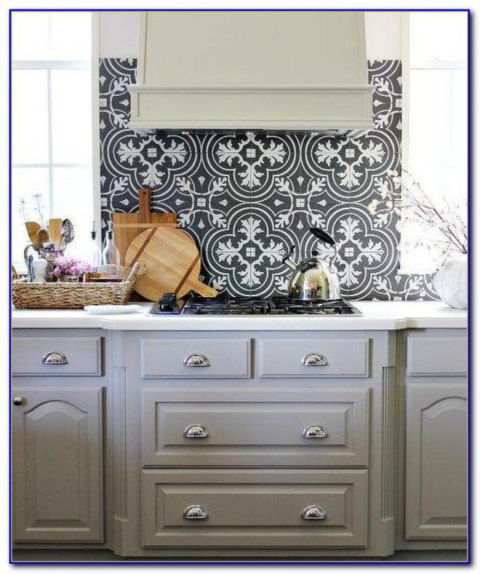 White Gray Marble Mosaic Tile Backsplash