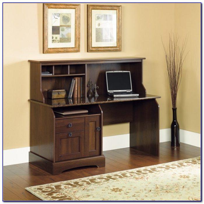 Amish Oak Desk With Hutch
