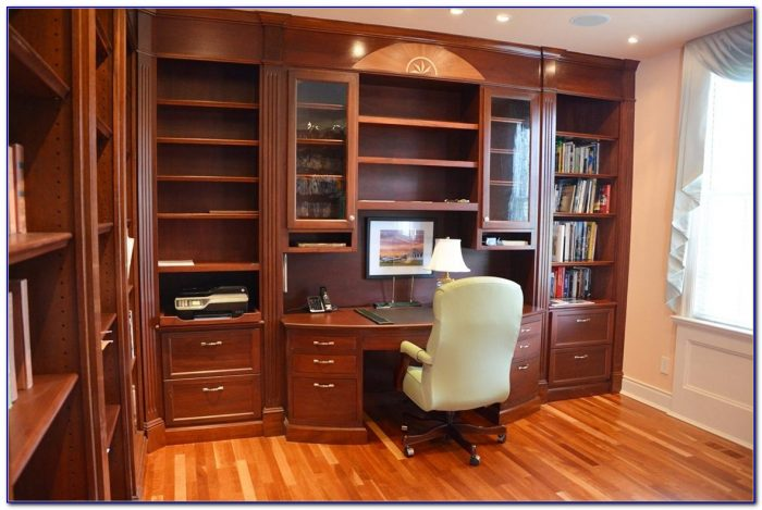 Built In Bookshelves And Computer Desk