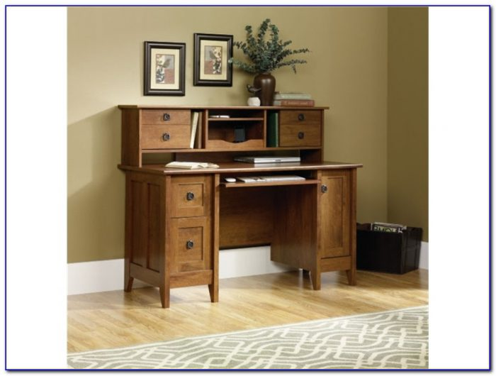 Wood Corner Computer Desk With Hutch